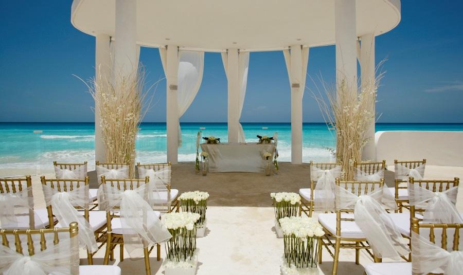 Unique Wedding Venues Near Me For Unforgettable Moment: Pros & Cons: Destination Weddings Vs Wedding Venue Near Me