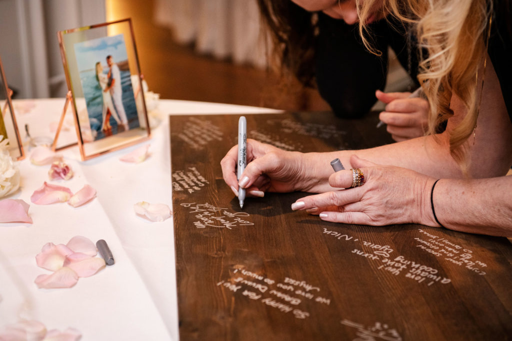 guest signing board