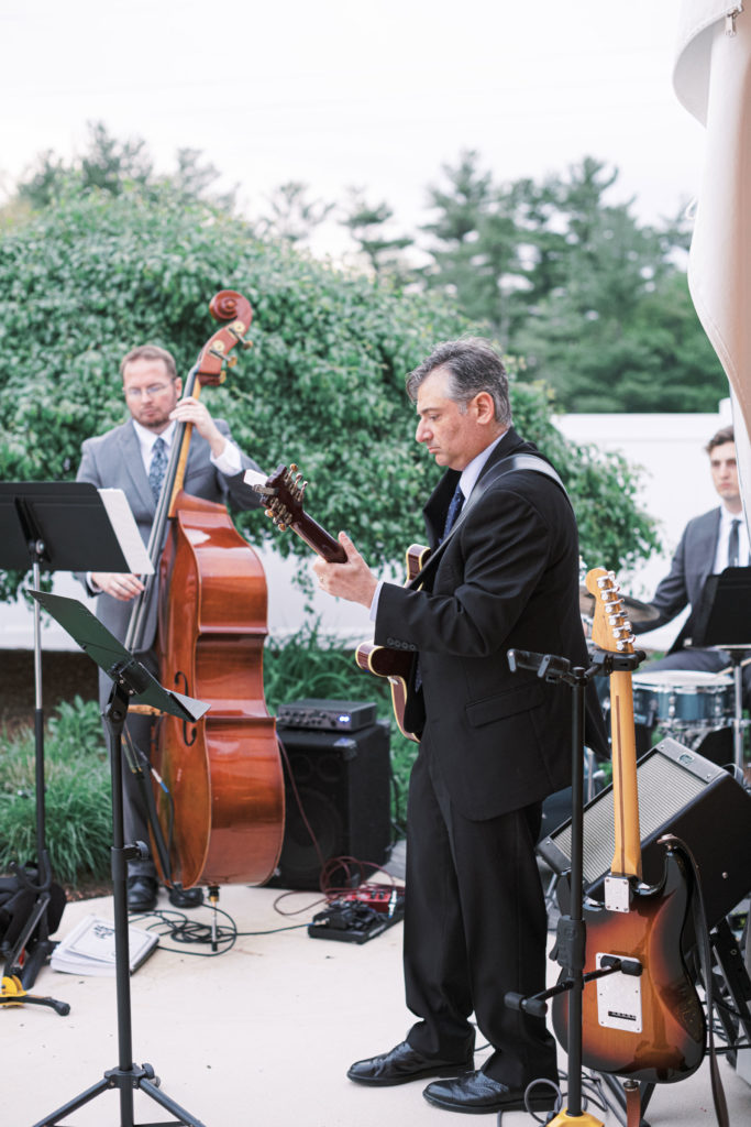 villa-tent-may-wedding-band