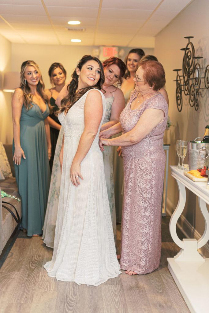 villa-tent-may-wedding-bride-getting-ready
