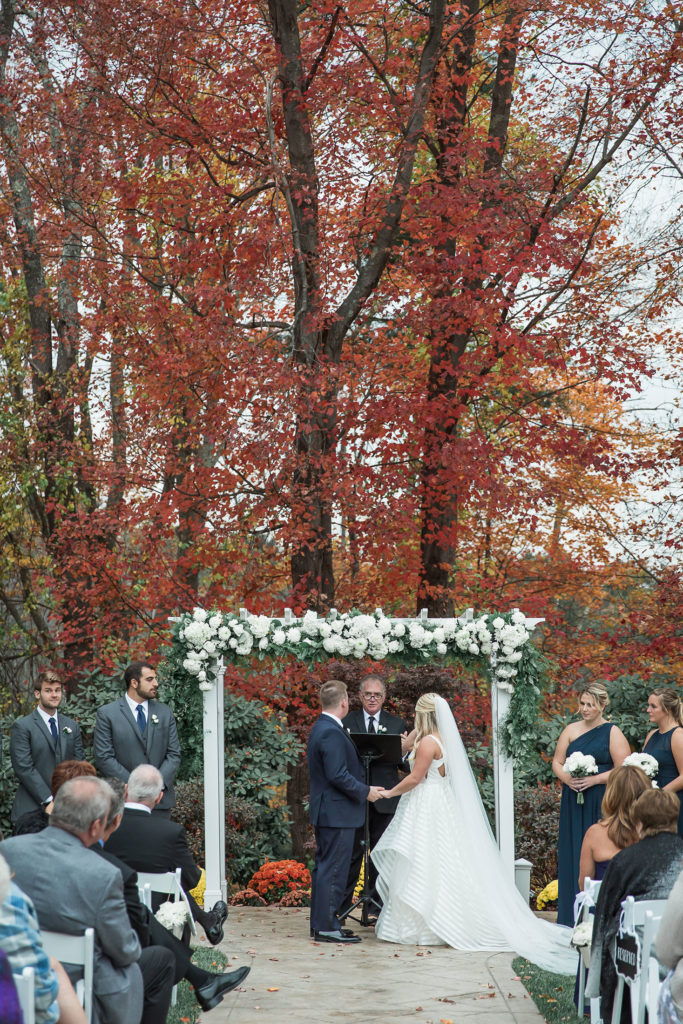 Avenir | Outdoor ceremony at Avenir in Walpole MA
