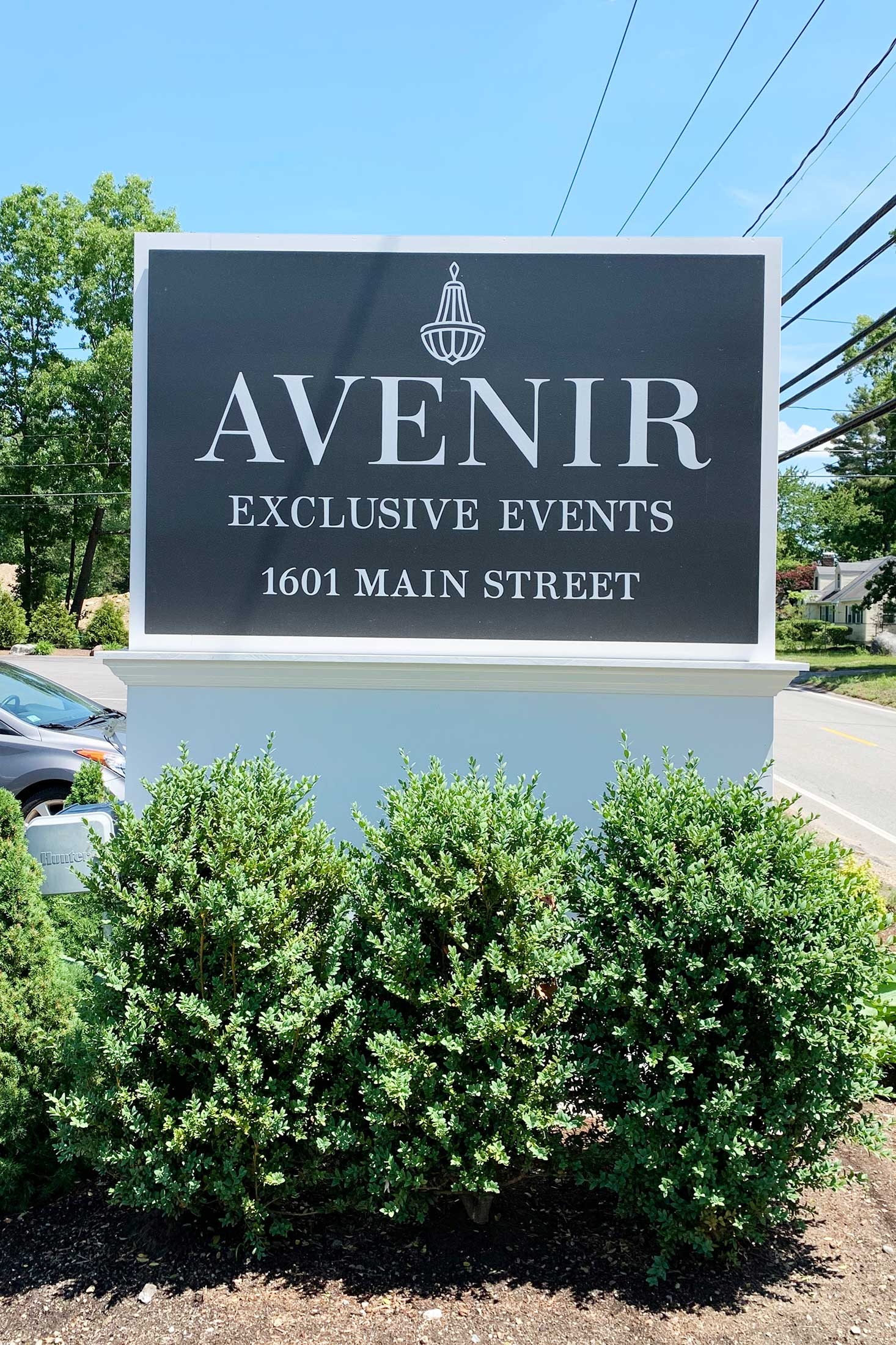 Avenir wedding venue sign from the street