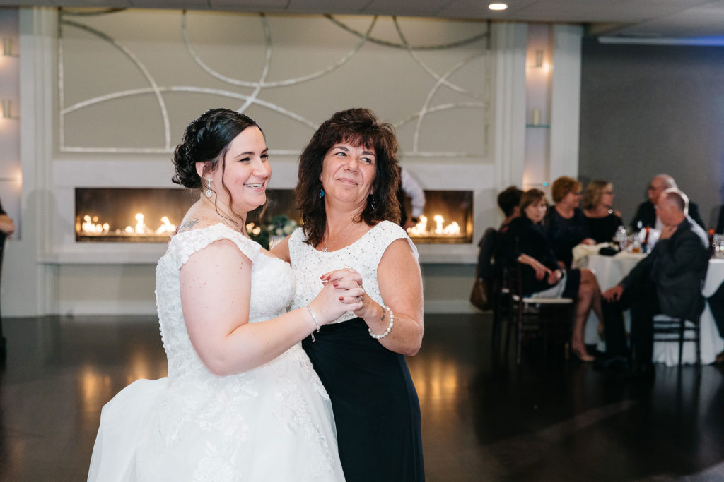 the-villa-grand-ballroom-september-wedding-jocelyn-and-brooke-jocelyn-mother-daughter-dance