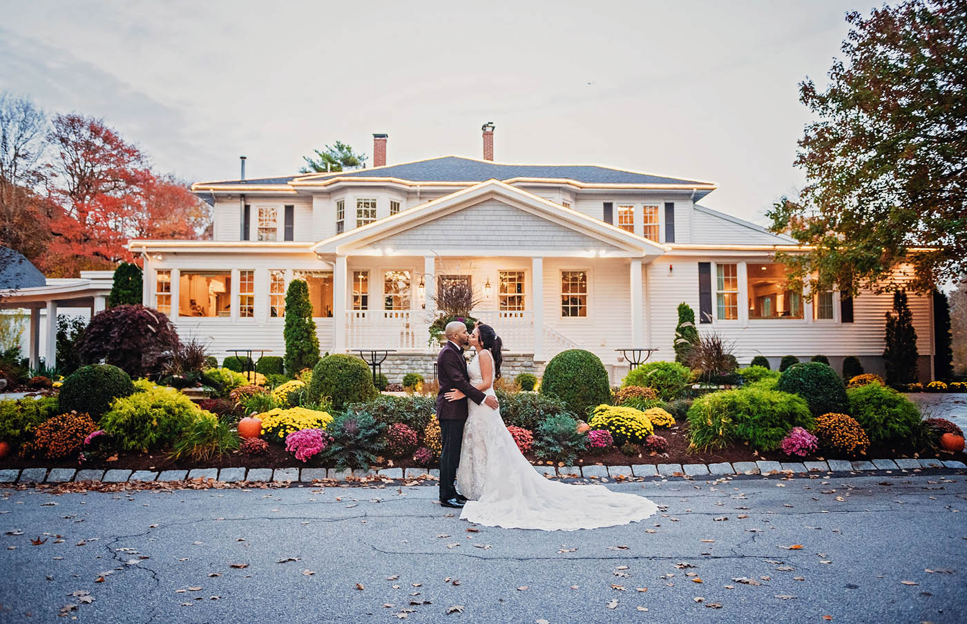 Saphire Estate fall wedding in Massachusetts