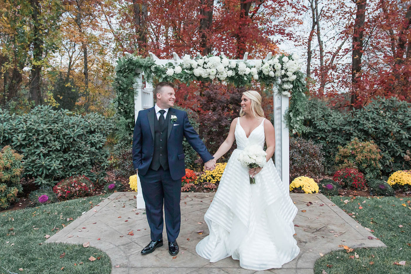outdoor fall wedding ceremony at Avenir Walpole MA