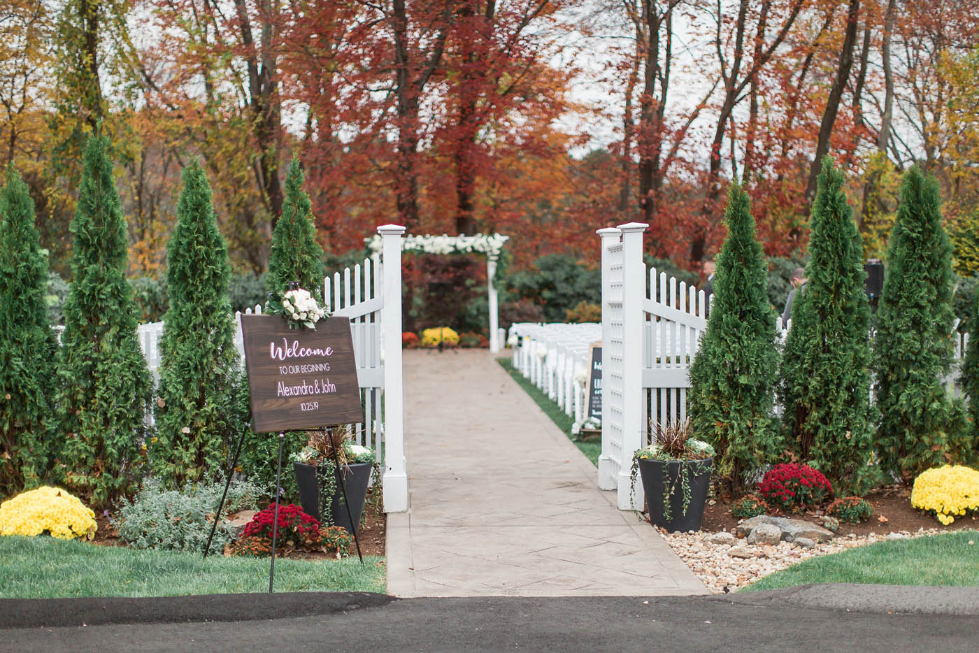outdoor fall wedding ceremony venue in Boston