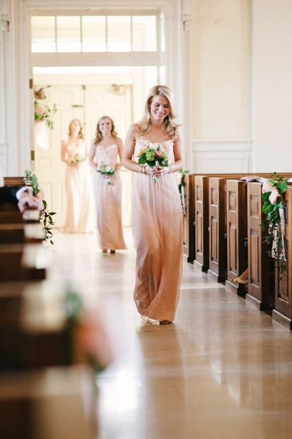 Picture_Perfect_Ombre_Wedding_Ideas_3.jpg