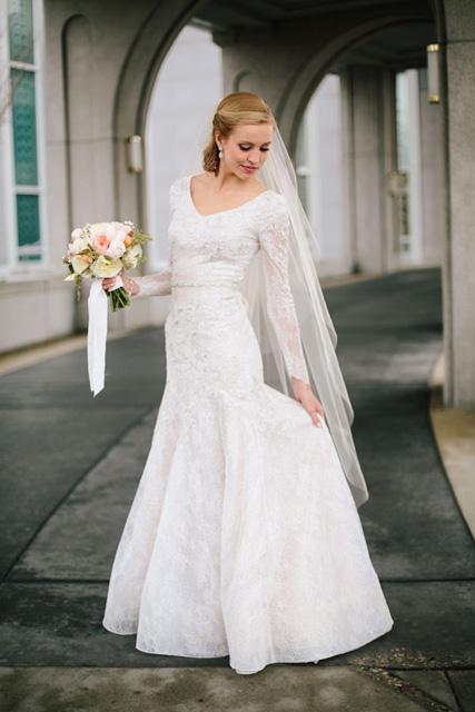 fall wedding dress ideas (7).jpg