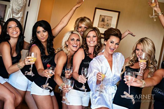 bridesmaids getting ready (3).jpg