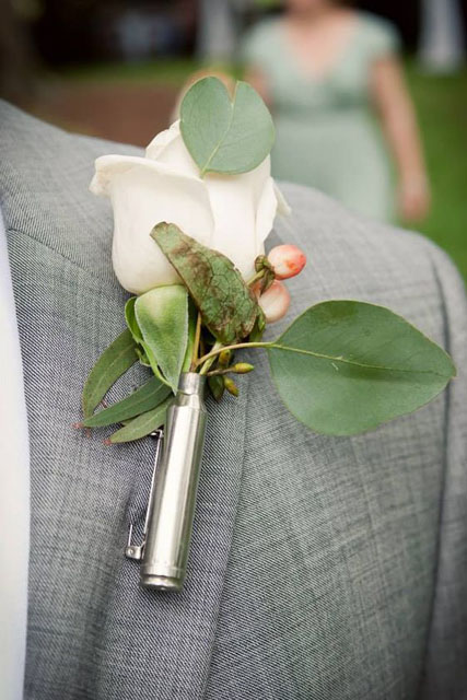 10 Unique Boutonniere Ideas