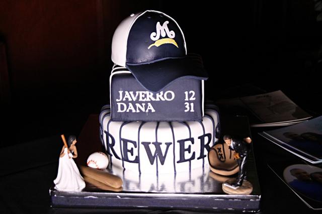 our_favorite_groom_cake_ideas_2.jpg