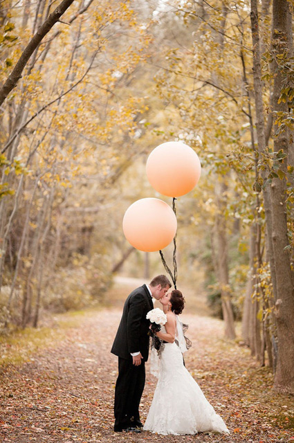 Whimsical_Wedding_Inspiration-_Decorating_With_Balloons__6.jpg