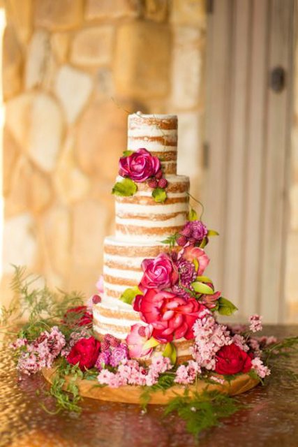 creative wedding cakes (5).jpg