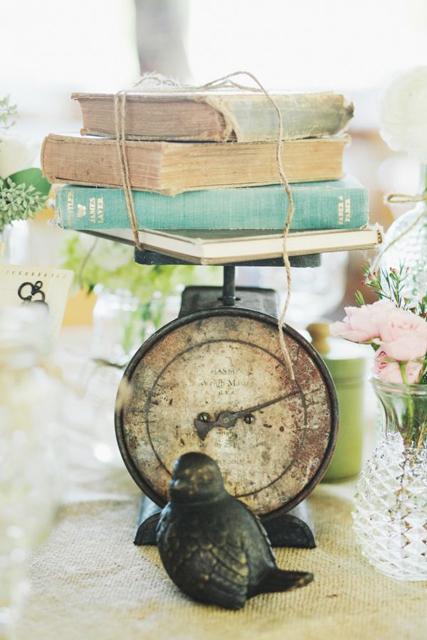 non-floral wedding centerpieces (5).jpg
