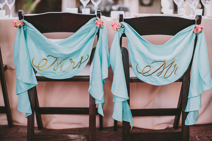 bride_and_groom_chairs_6.jpg