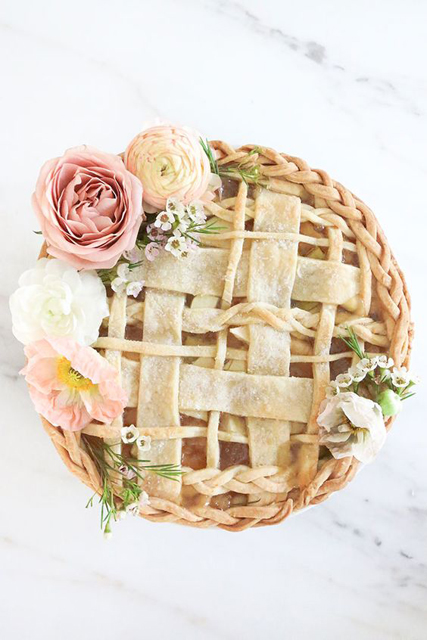 Thanksgiving Wedding Ideas (3).jpg