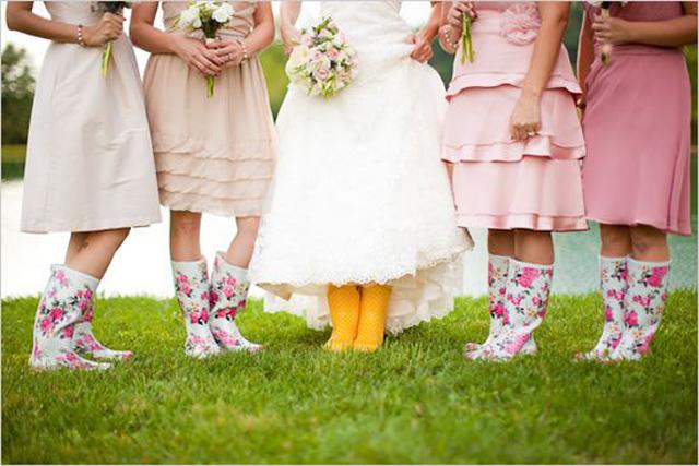 Creative_Photo_Ideas_For_A_Rainy_Wedding_Day_8.jpg