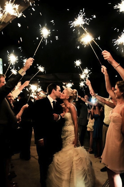 fun wedding exit ideas sparklers.jpg