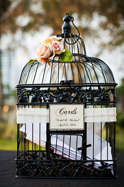 Decorating with Birdcages (2).jpg