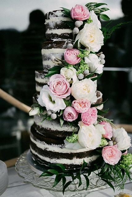 Creative Wedding Cakes Naked Cake Trend