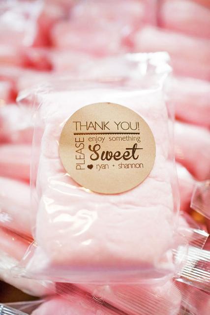 unique wedding desserts_cotton candy ideas (1).jpg