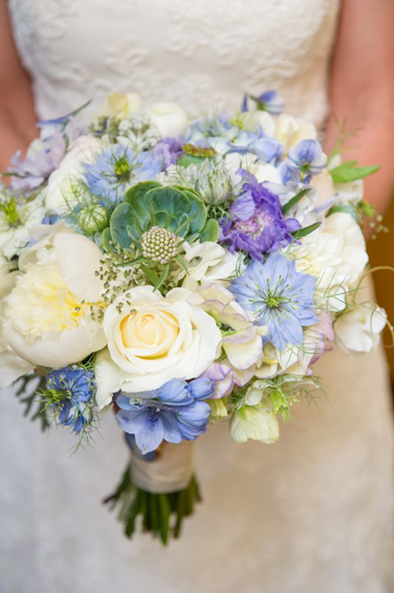 colorful_bridal_bouquets_1.jpg