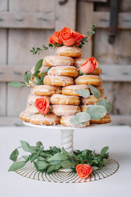doughnut wedding cake (2).jpg