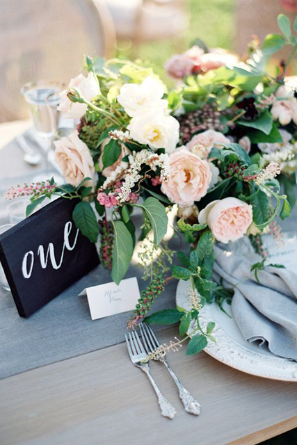 wedding trends beautiful calligraphy (5).jpg