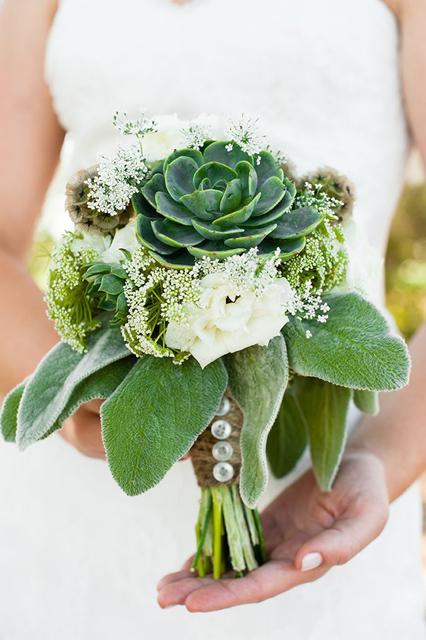 green wedding ideas (6).jpg
