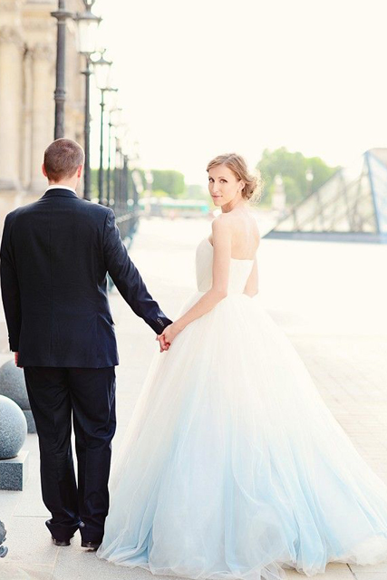 Picture_Perfect_Ombre_Wedding_Ideas_2.jpg