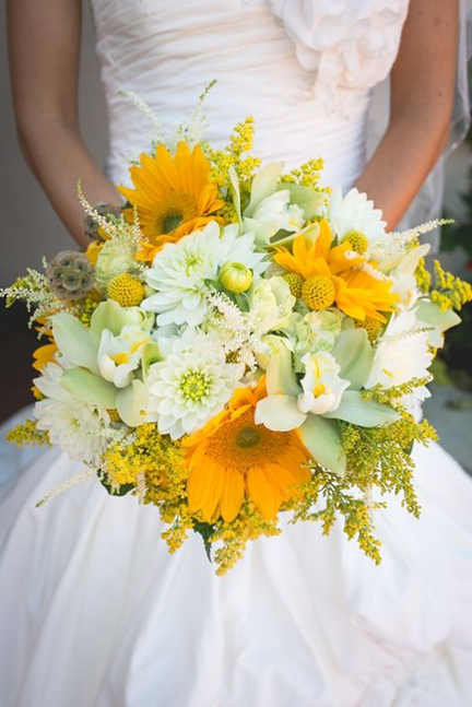 colorful_bridal_bouquets_6.jpg