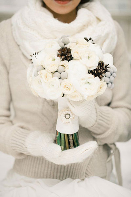 winter wedding inspiration bouquet.jpg