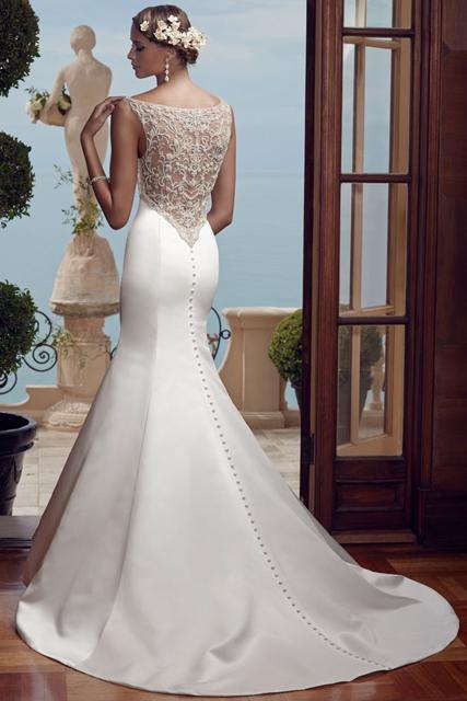 back of wedding dress (2).jpg