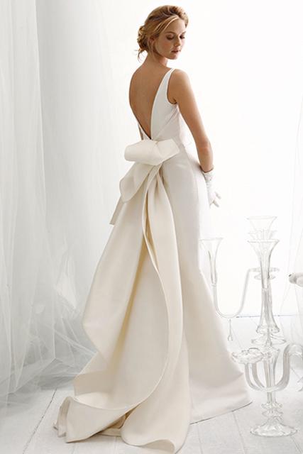 back of wedding dress (5).jpg