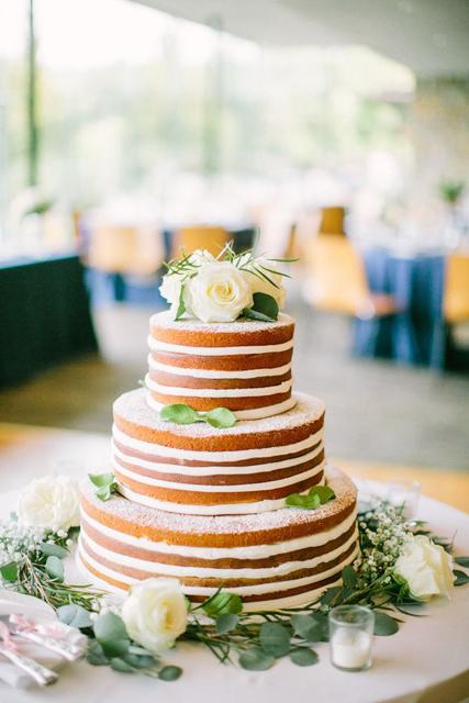 creative wedding cakes (7).jpg