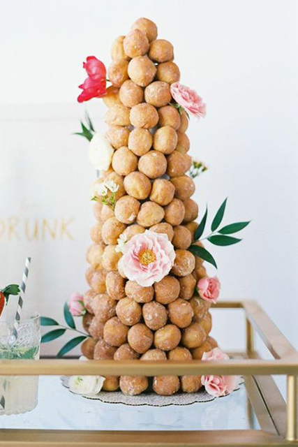 doughnut wedding cake (4).jpg