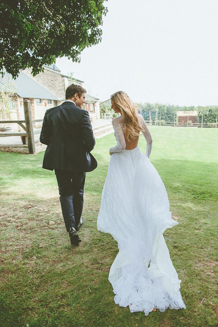 fall wedding dress ideas (6).jpg
