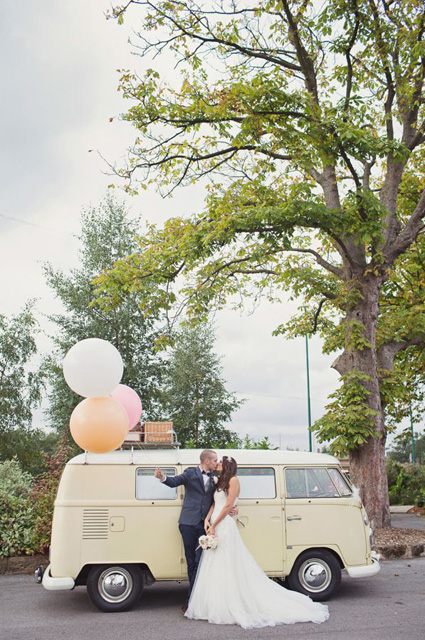 Whimsical_Wedding_Inspiration-_Decorating_With_Balloons__4.jpg