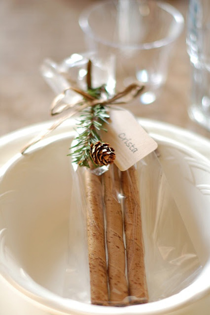 creative_wedding_place_card_ideas_4.jpg